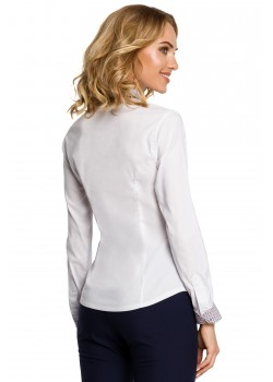 Елегантна риза в бял цвят M067