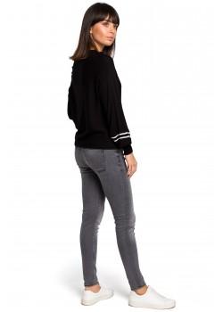 Пуловер в черен цвят BK024