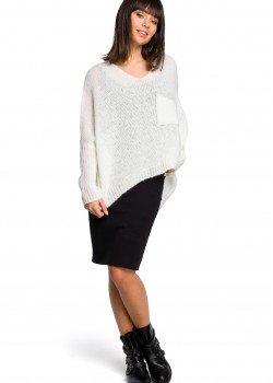 Асиметричен пуловер в цвят екрю BK018