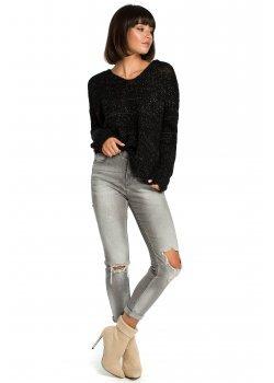 Пуловер в черен цвят BK004