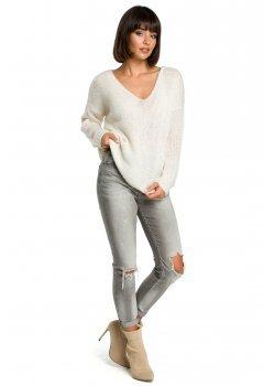 Пуловер в цвят екрю BK004
