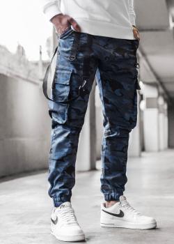 Чино панталон в тъмносин камуфлаж с джобове