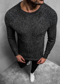 Пуловер в черен цвят с реглан ръкави